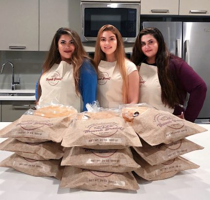 Esendemir Sisters with Thumb Bread